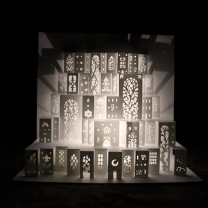 【ポップアップカード】『窓の街』