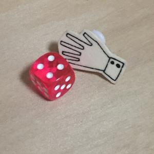 ダイスロールイヤリング (ピンク・1d6) c1