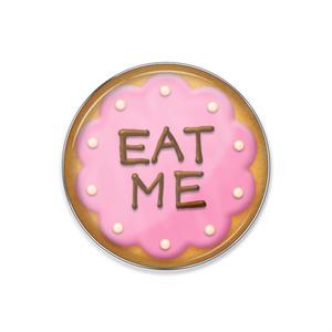 アリスのクッキー風ピンバッジ(ストロベリー)