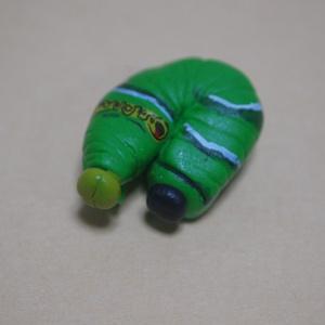 ナミアゲハ幼虫のフィギュア いもむし イモムシ 芋虫 蝶