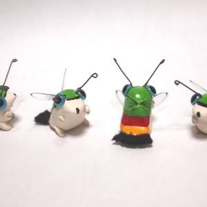 オオスカシバのフィギュア 蛾 蝶 昆虫