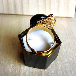 【薬研藤四郎イメージ】濃紫色の懐刀(指輪)
